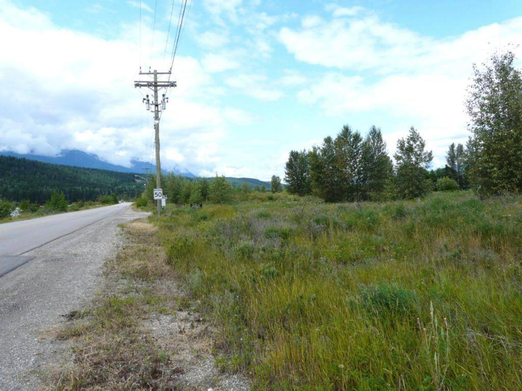 Home for sale at 1000 Kicking Horse Drive  Golden British Columbia - MLS: 2399643