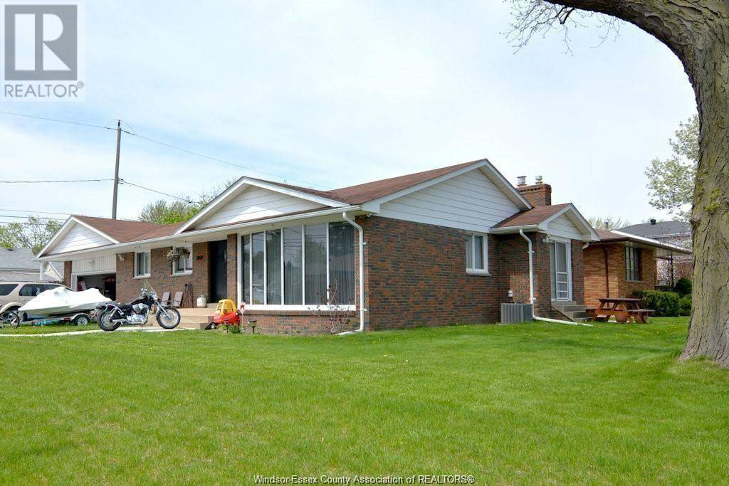 House for sale at 1000 Lens Ave Windsor Ontario - MLS: 19024313