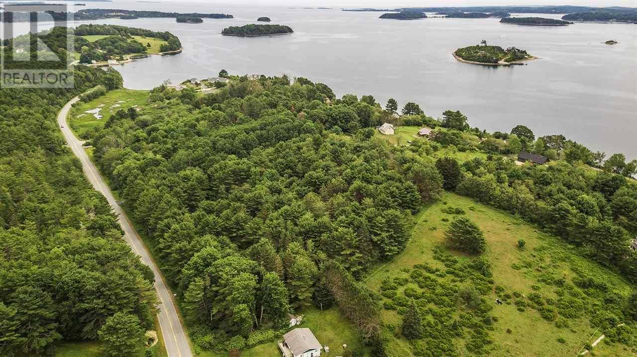 Residential property for sale at 1000 Oakland Rd Mahone Bay Nova Scotia - MLS: 202000619