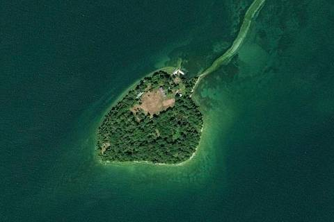 1000 Strawberry Island , Ramara | Image 1
