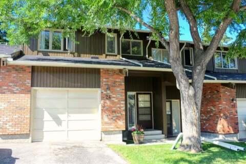 Townhouse for sale at 10001 Brookpark Blvd SW Calgary Alberta - MLS: C4297216
