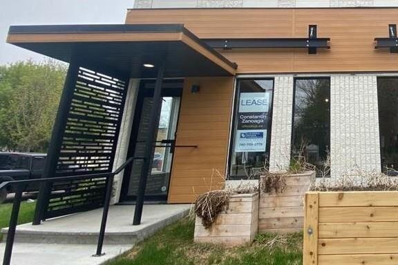 Commercial property for lease at 10005 80 Av NW Edmonton Alberta - MLS: E4194039