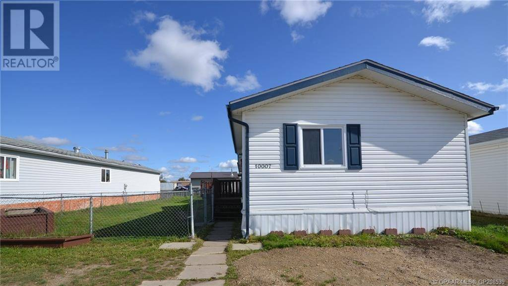 House for sale at 10007 96 St Clairmont Alberta - MLS: GP208539