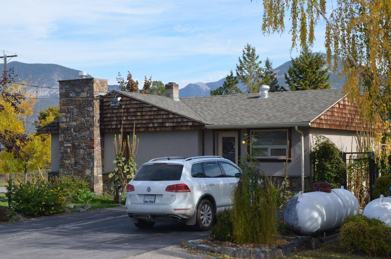 House for sale at 1001 10th Street  Invermere British Columbia - MLS: 2451037