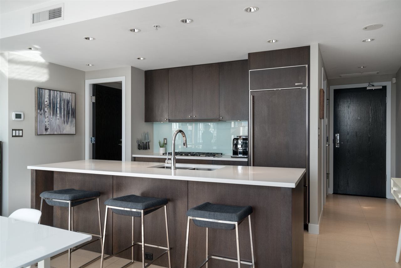 Sold: 1001 - 1455 Howe Street, Vancouver, BC
