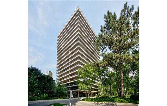 Buliding: 20 Avoca Avenue, Toronto, ON