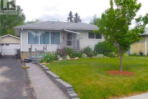 House for sale at 10010 92 Ave Grande Prairie Alberta - MLS: GP206190