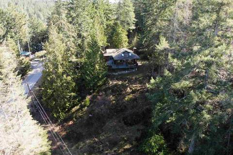 House for sale at 10015 Wescan Rd Halfmoon Bay British Columbia - MLS: R2343392