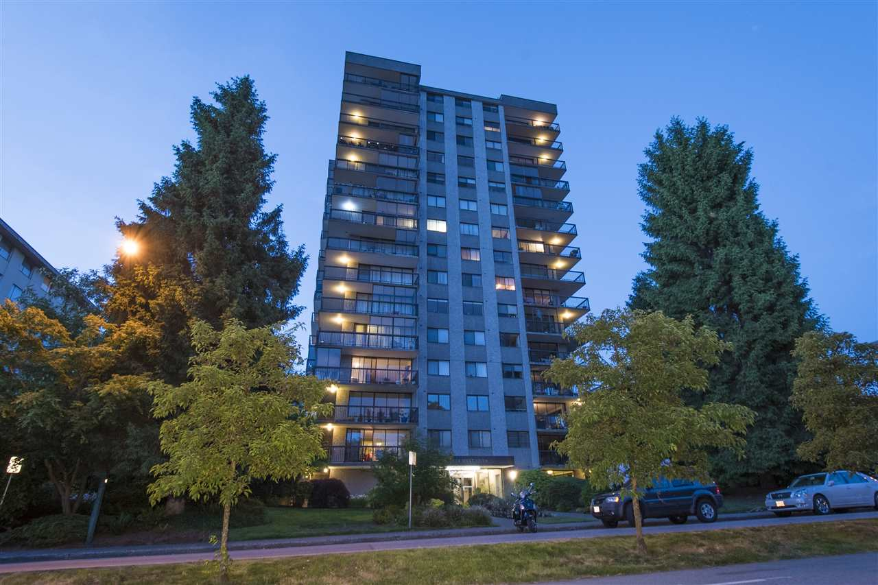 Buliding: 114 West Keith Road, North Vancouver, BC