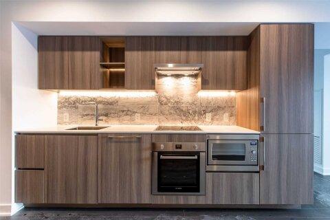 Apartment for rent at 19 Bathurst St Unit 1002 Toronto Ontario - MLS: C5057263