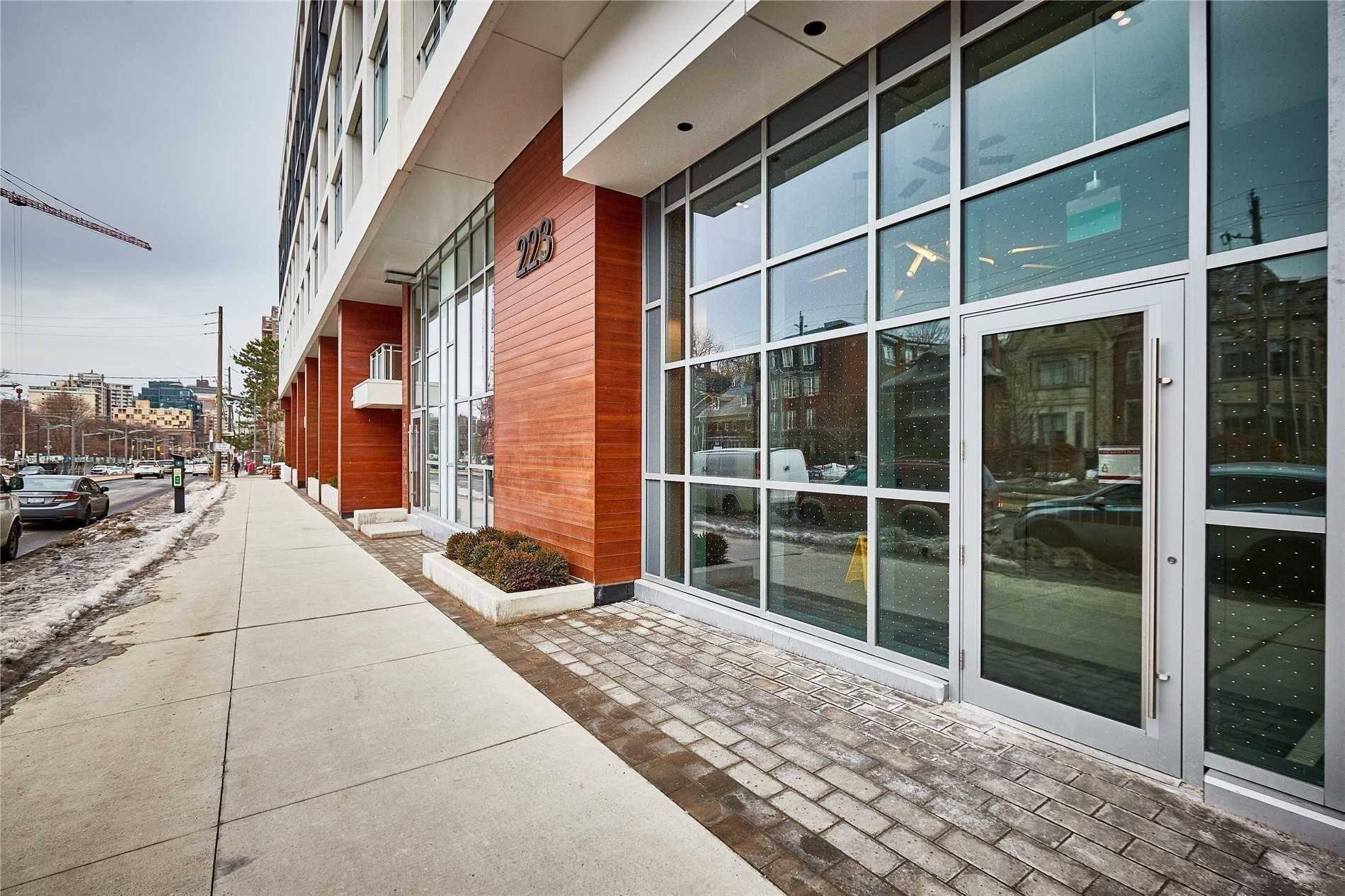 Apartment for rent at 223 St Clair Ave Unit 1002 Toronto Ontario - MLS: C4694405
