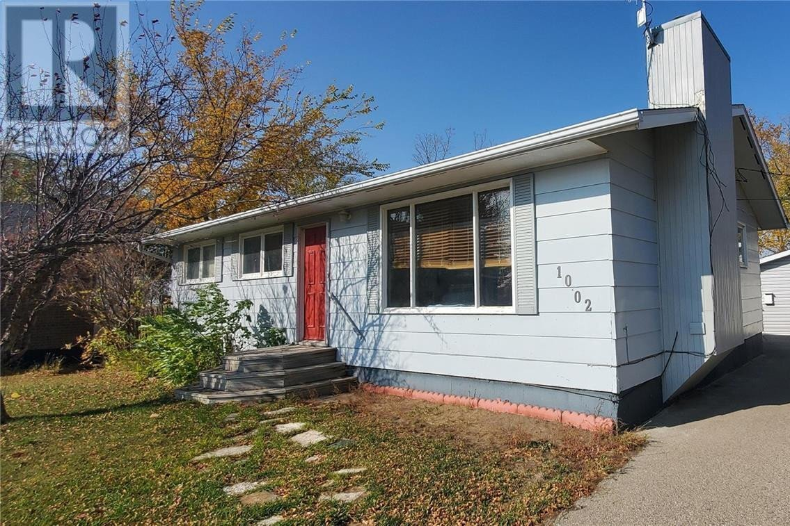 House for sale at 1002 Anderson St Grenfell Saskatchewan - MLS: SK833670