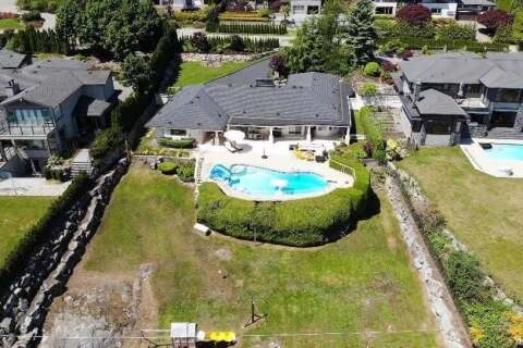House for sale at 1002 Eyremount Dr West Vancouver British Columbia - MLS: R2463681