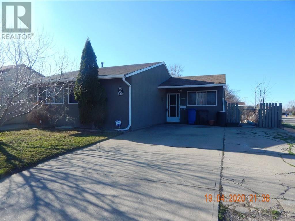 House for sale at 1002 St David Rd N Lethbridge Alberta - MLS: ld0188554