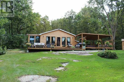 House for sale at 1002 Weds Island Is South Frontenac Ontario - MLS: K19004521