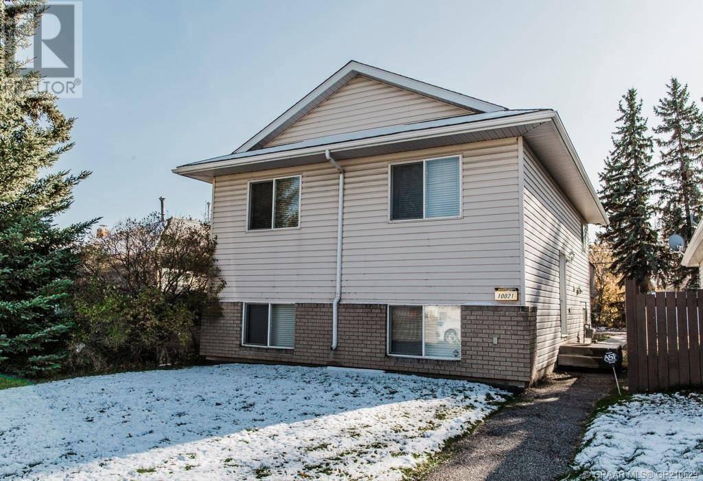 House for sale at 10021 96 Ave Grande Prairie Alberta - MLS: GP210629