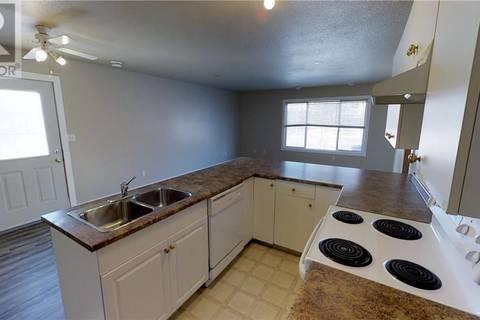 Townhouse for sale at 10029 105 Ce Grande Prairie Alberta - MLS: GP204703