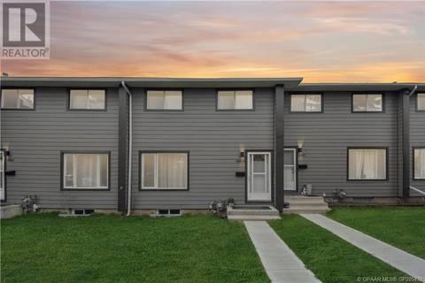 Townhouse for sale at 10029 80 Ave Grande Prairie Alberta - MLS: GP205432