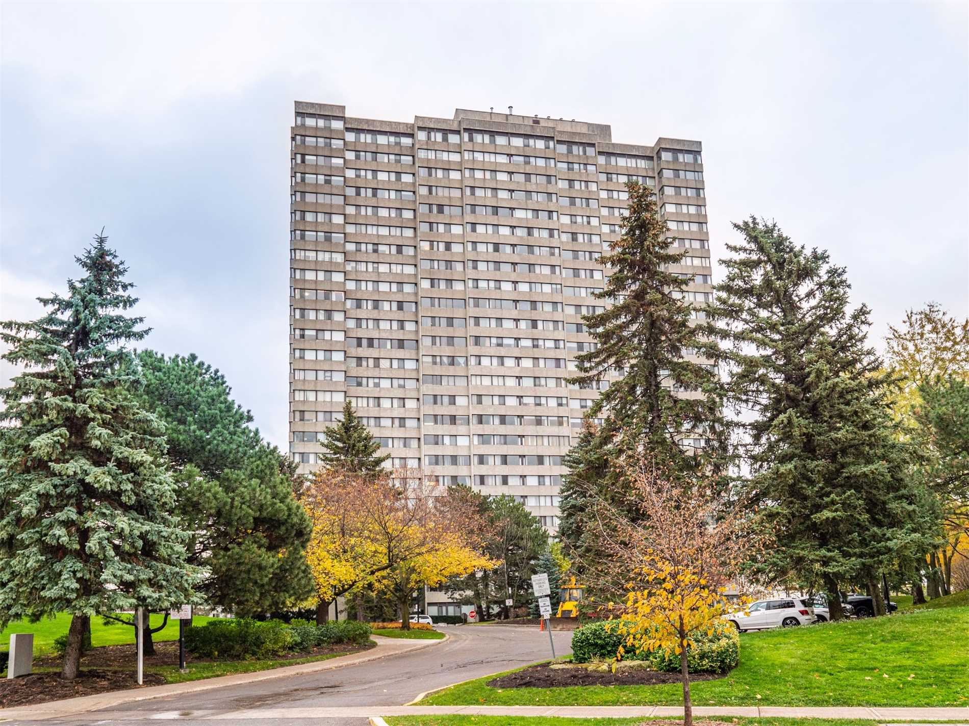 For Sale: 1004 - 133 Torresdale Avenue, Toronto, ON   2 Bed, 2 Bath Condo for $528000.00. See 20 photos!