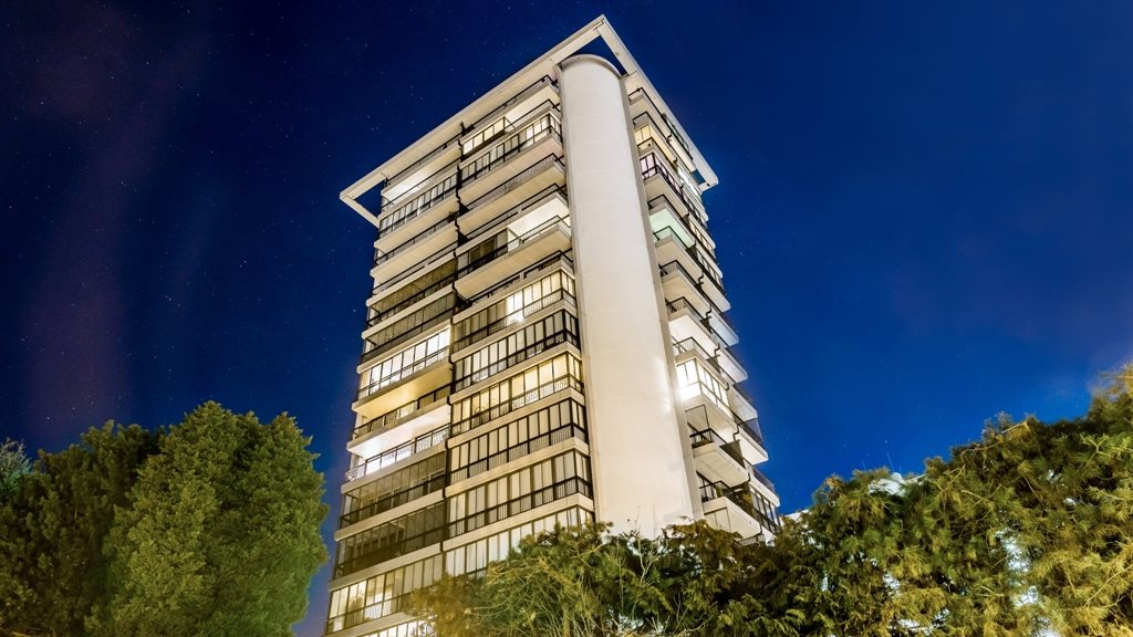 Sold: 1004 - 650 16th Street, West Vancouver, BC