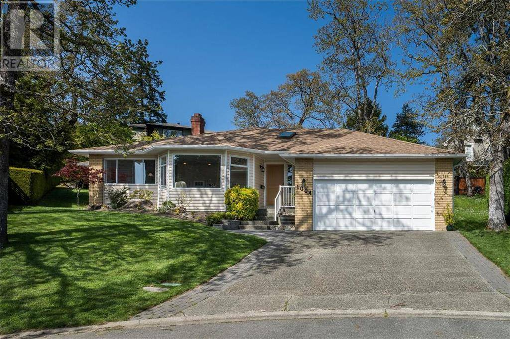 House for sale at 1004 Falaise Pl Victoria British Columbia - MLS: 421233