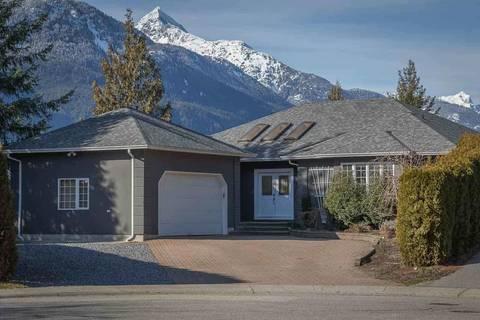 House for sale at 1004 Lanark Pl Squamish British Columbia - MLS: R2438671