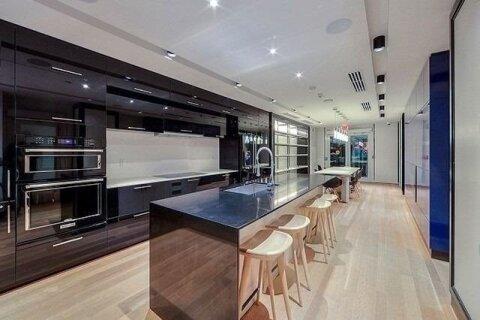 Apartment for rent at 30 Roehampton Ave Unit 1005 Toronto Ontario - MLS: C5082048