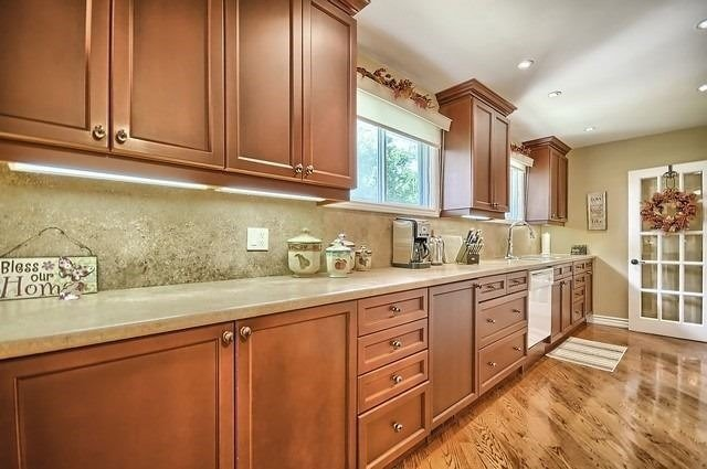 For Sale: 1006 Elgin Street, Newmarket, ON | 2 Bed, 1 Bath House for $879,000. See 20 photos!