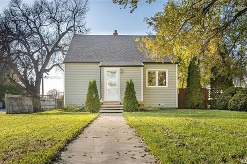 House for sale at 1006 Monk Ave Moose Jaw Saskatchewan - MLS: SK800041