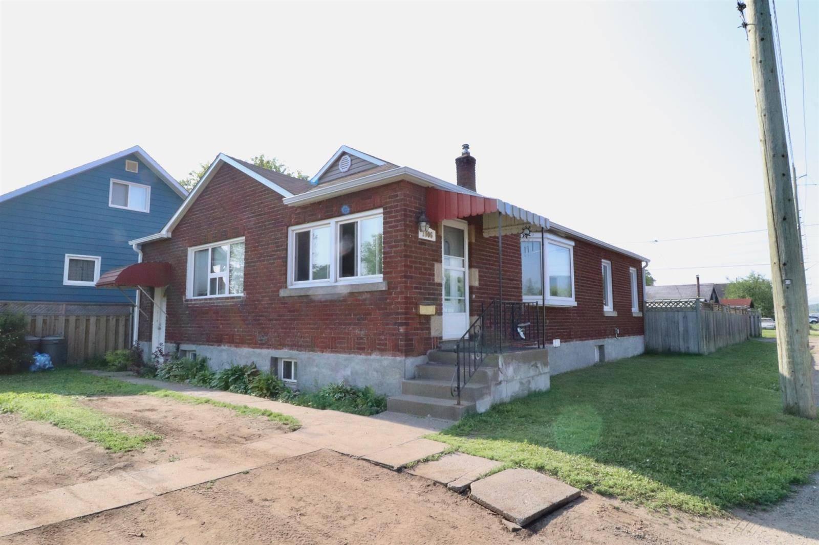 House for sale at 1006 Tarbutt St Thunder Bay Ontario - MLS: TB192192