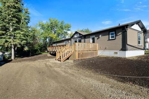 House for sale at 1007 6 Ave Beaverlodge Alberta - MLS: A1027374