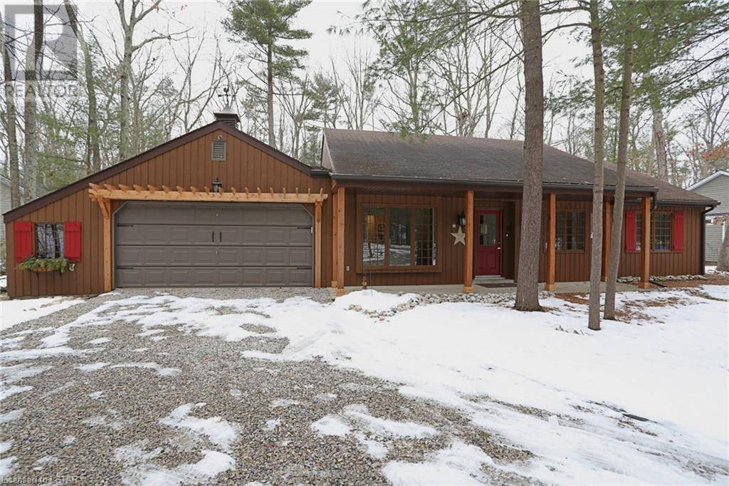 House for sale at 10087 Beaver Dam Cres Grand Bend Ontario - MLS: 243220