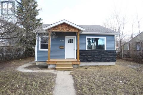 House for sale at 1009 11th St W Saskatoon Saskatchewan - MLS: SK771211