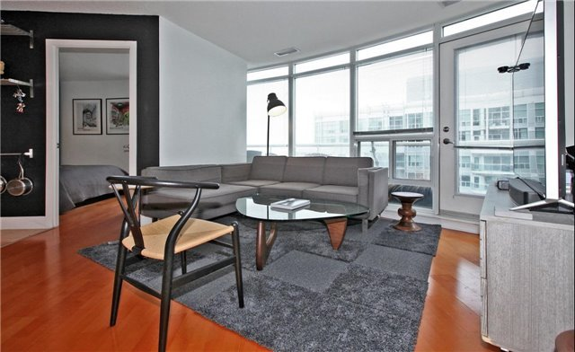 Removed: 1009 - 550 Queens Quay, Toronto, ON - Removed on 2017-03-23 05:48:04
