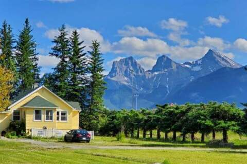 House for sale at 101 Harvie Heights Rd Canmore Alberta - MLS: A1018025