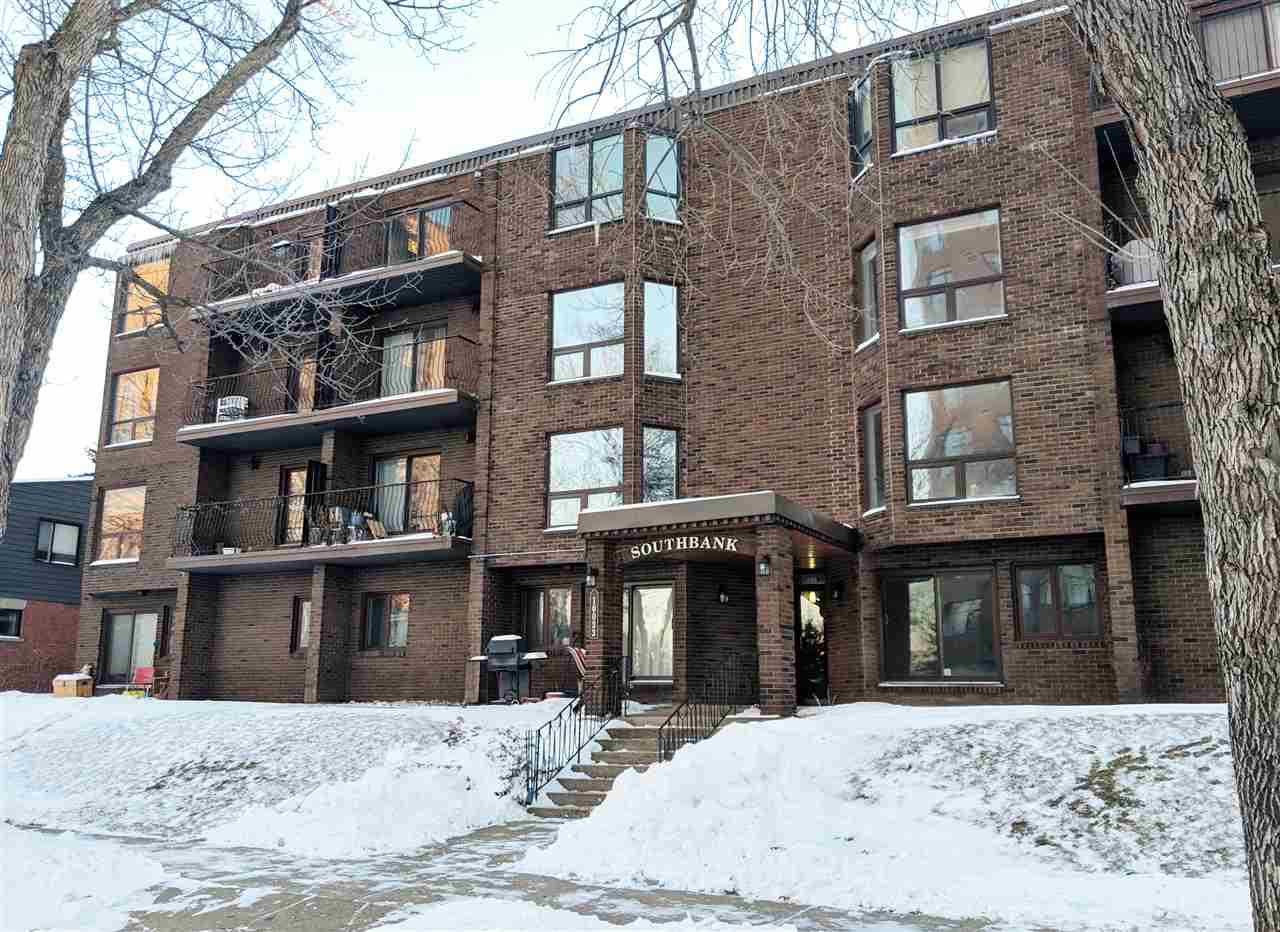 Buliding: 10033 89 Avenue, Edmonton, AB