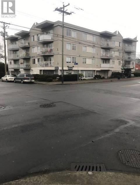 101 - 1025 Hillside Avenue, Victoria | Image 1