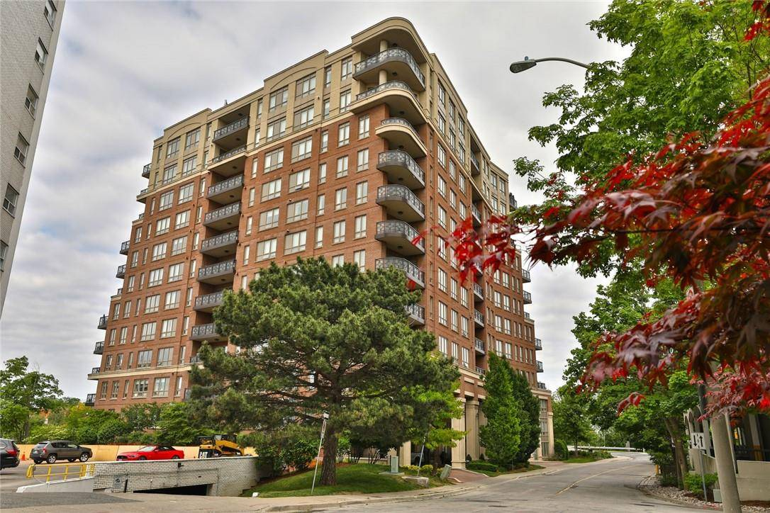 Condo for sale at 111 Forsythe St Unit 101 Oakville Ontario - MLS: H4066204