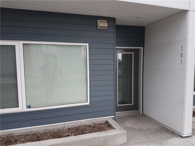 Removed: 101 - 20 Brentwood Common Northwest, Calgary, AB - Removed on 2018-10-01 05:24:16