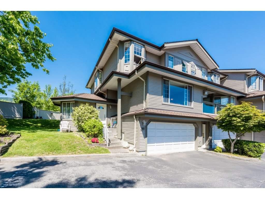 Sold: 101 - 2880 Panorama Drive, Coquitlam, BC