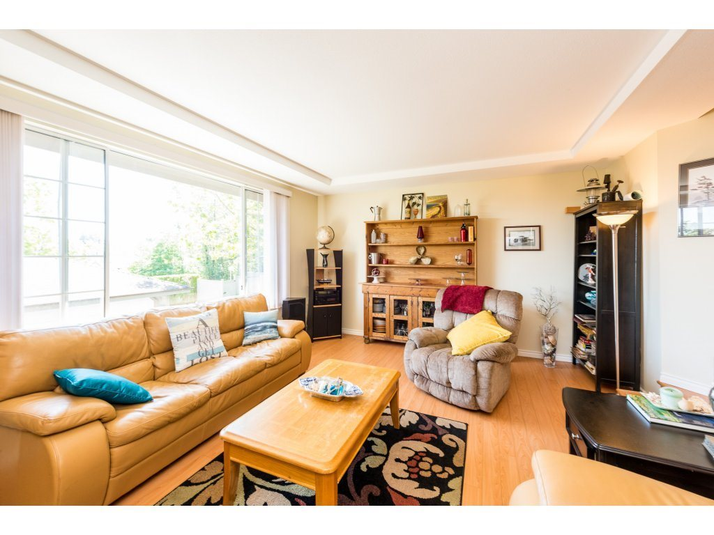 For Sale: 101 - 2880 Panorama Drive, Coquitlam, BC | 3 Bed, 3 Bath Townhouse for $899,900. See 20 photos!