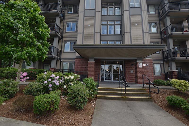 Sold: 101 - 33898 Pine Street, Abbotsford, BC
