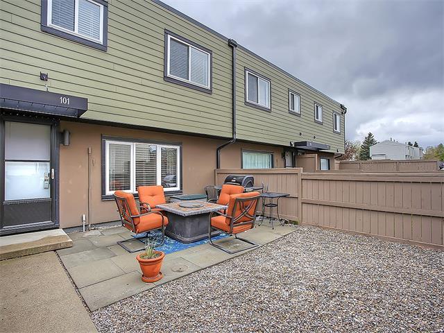 Sold: 101 - 3809 45 Street Southwest, Calgary, AB