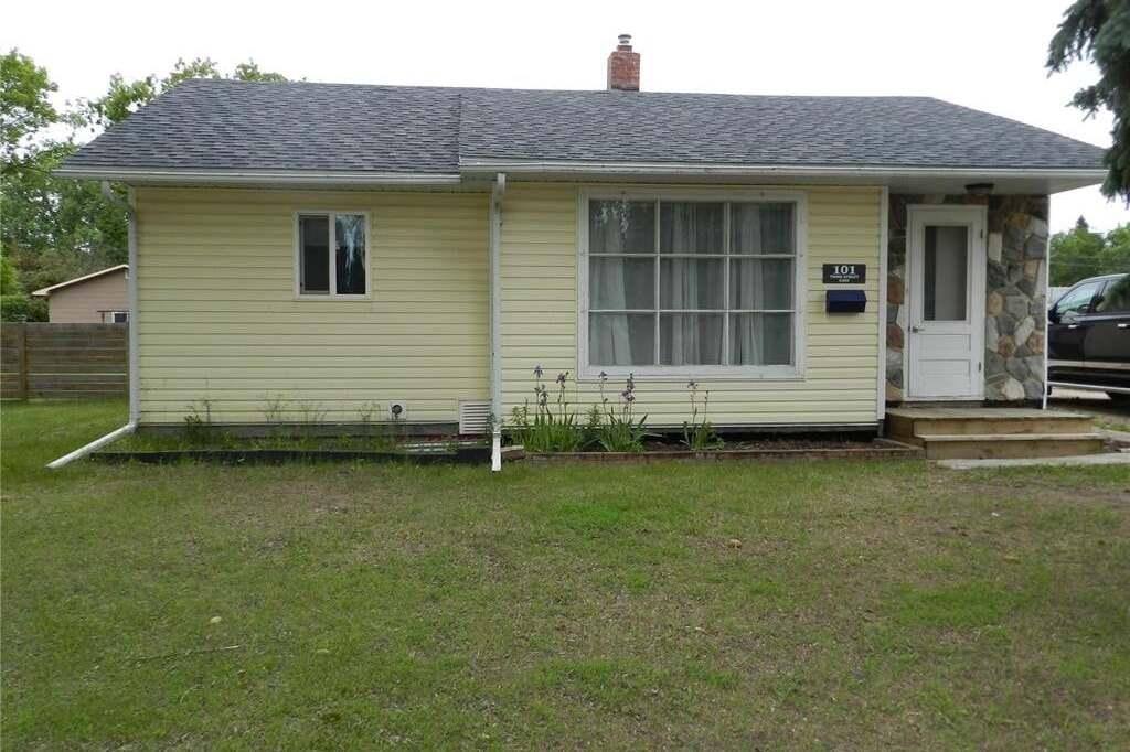 House for sale at 101 3rd St E Langham Saskatchewan - MLS: SK814538