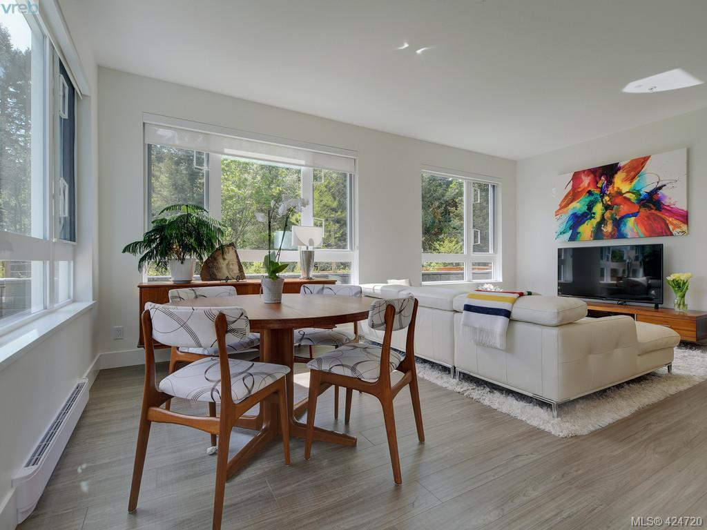 Buliding: 960 Reunion Avenue, Langford, BC