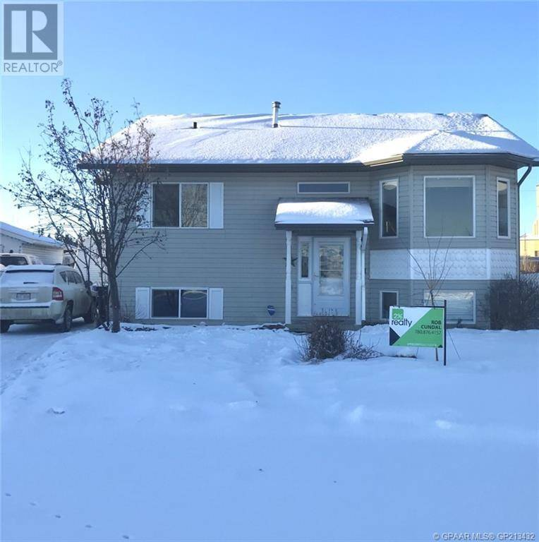 House for sale at 9911 101 B St Unit 101 Grande Prairie, County Of Alberta - MLS: GP213432