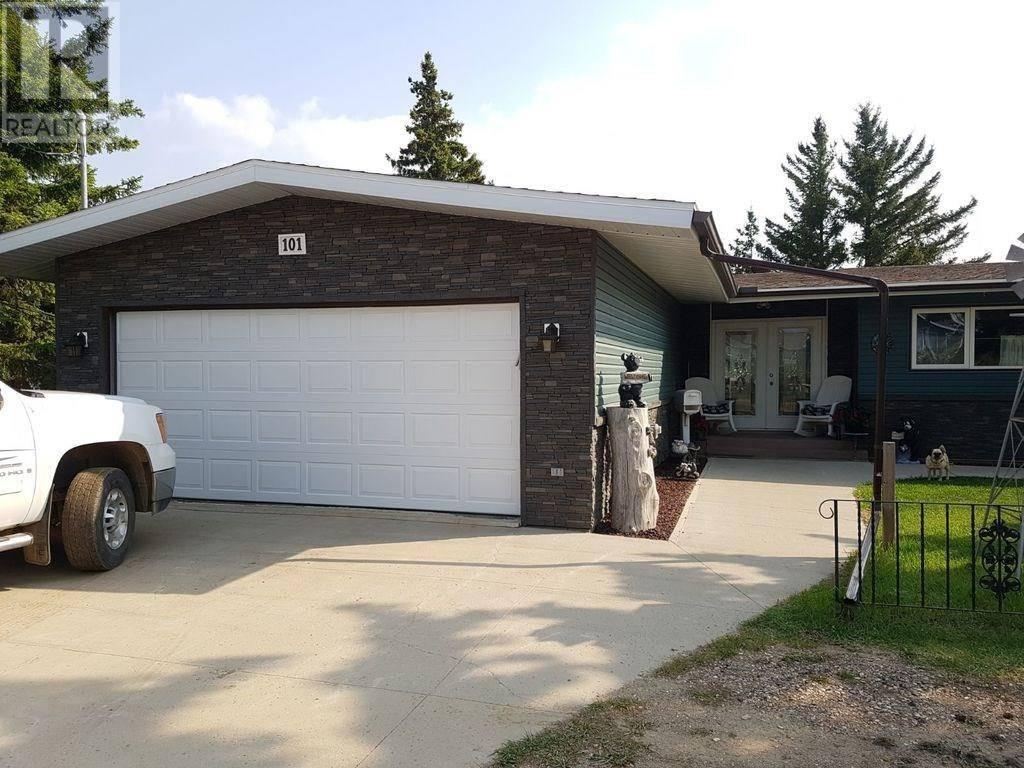 House for sale at 101 Fraser Ave Oxbow Saskatchewan - MLS: SK758286