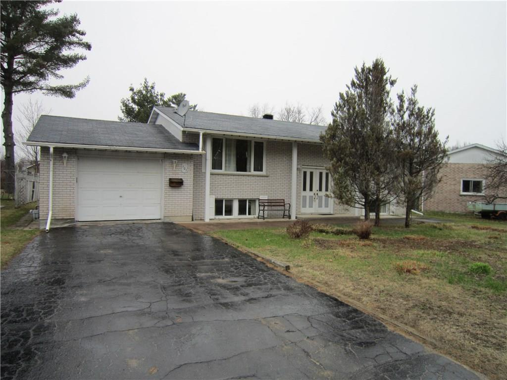 For Sale: 101 Frontenac Crescent, Deep River, ON   4 Bed, 2 Bath House for $214,900. See 19 photos!