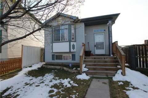 House for sale at 101 Martin Crossing Wy NE Calgary Alberta - MLS: C4285776