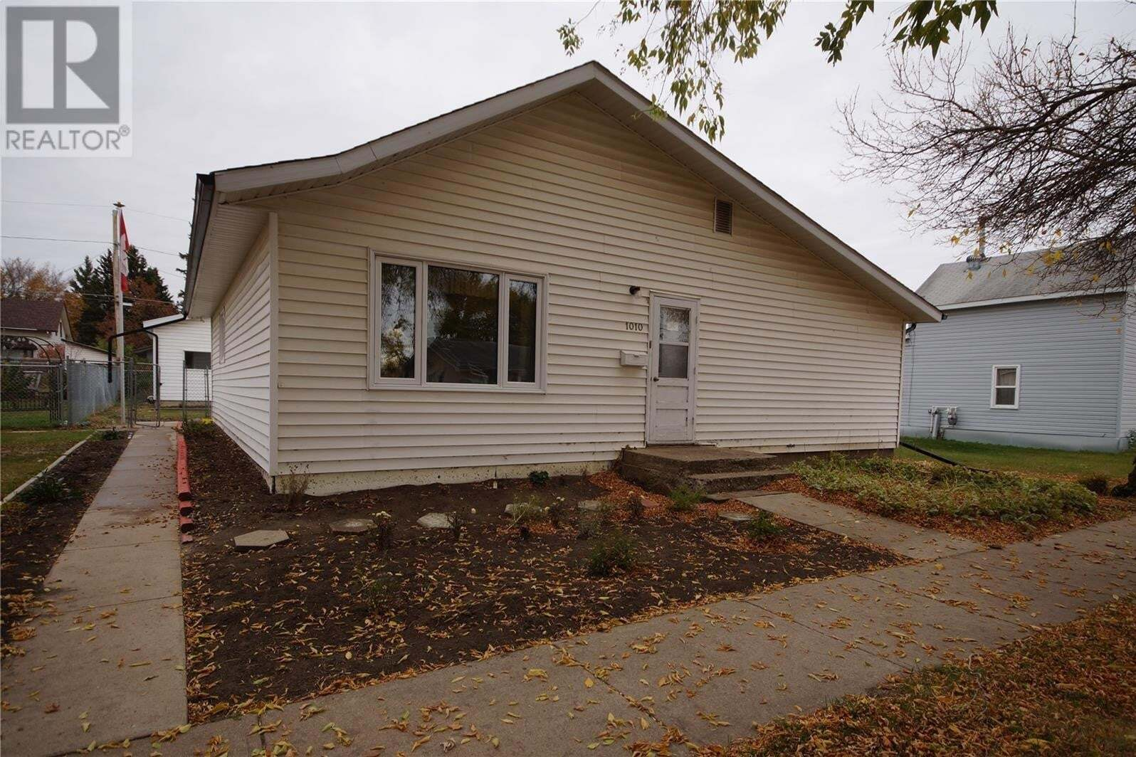 House for sale at 1010 10th St Rosthern Saskatchewan - MLS: SK828748